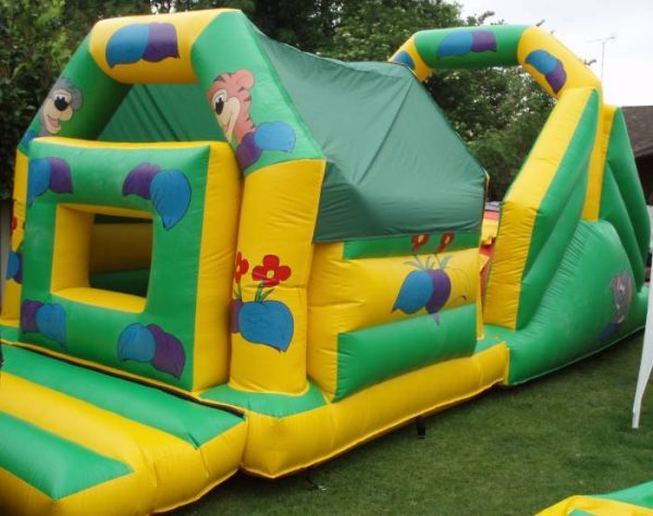 32 ft Jungle Obstacle Course