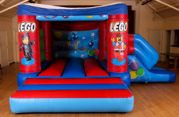 Lego 17 x 15 Velcro Castle With Slide – Changeable Themes