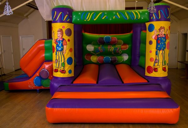 Mr Tumble 17 x 15 Velcro Castle With Slide – Changeable Themes