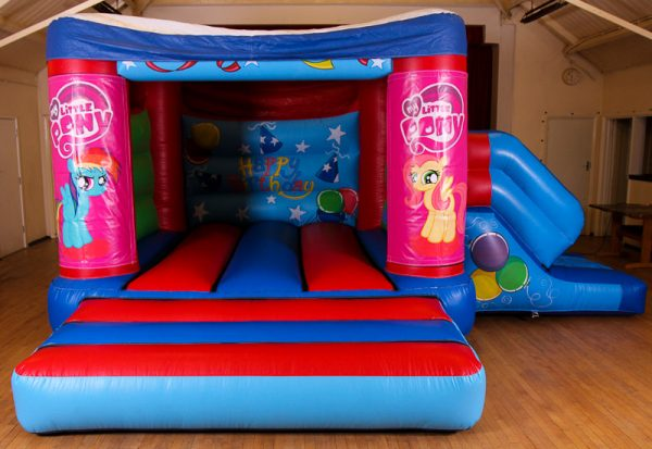 My Little Pony 17 x 15 Velcro Castle With Slide – Changeable Themes