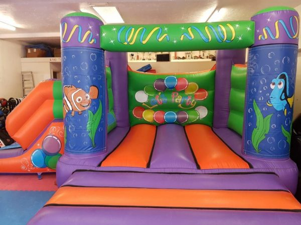 Nemo 17 x 15 Velcro Castle With Slide – Changeable Themes