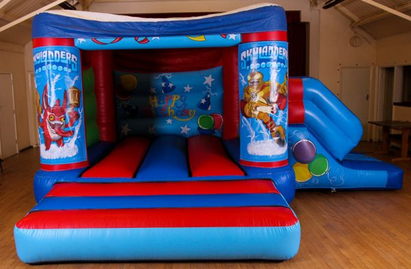 Skylanders 17 x 15 Velcro Castle With Slide – Changeable Themes